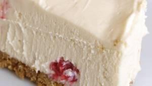 Hvis du er på slankekur, så er denne ostekage noget for dig! Den laves uden mel,