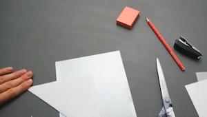 Et par sider papir, en saks og lim… Resultatet? Awesome!