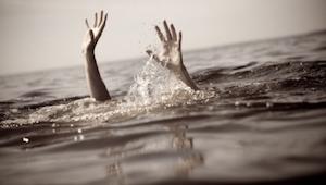 Et par var sikre på at livredderen troede de var ved at drukne, men sandheden va