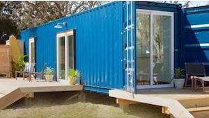 Han lavede egenhændigt et lille hjem i en container! Indeni ser det helt fantast