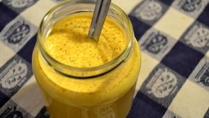 Golden Milk er en drik, som vil ændre dit liv! Den er ekstrem sund, og helt enke