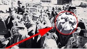 Dette billede er fra 1940; Hvad laver nogen dengang i DEN påklædning!? Se andre