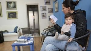 Det, som børnelægen skrev på døren til sin konsultation, giver alle mødre noget