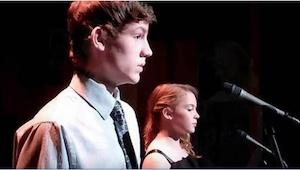 Et par teenagere udfører den kendte sang, The Prayer. I vil blive forundrede, nå