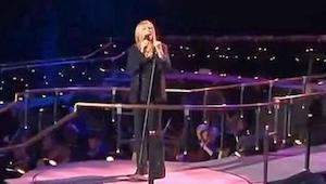 Barbra Streisand synger Memory fra musicalen Cats, pludselig stemmer Susan Boyle