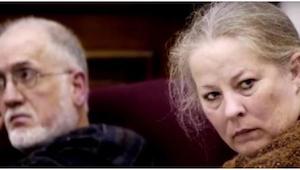 Dette par havde adopteret 11 børn. Da en socialrådgiver besøgte dem, så han noge