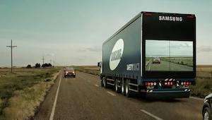 Han ville overhale en lastbil, men hvad han så bagpå, gjorda at kan straks brems