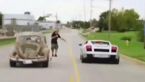 Da chaufføren med sin VW Beetle udfordrede manden med Lamborghinien til en dyst,