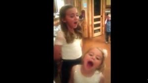 Hun er blot 11 år gammel, men hendes stemme er bedre end Adeles! Det tror I ikke