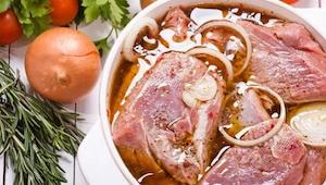 Hvis du holder af kød, vil du sikkert synes om DISSE 5 aromatiske marinader! Det