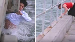 Manden hældte sin bedstemors aske i vandet, men pludselig opdagede han at noget