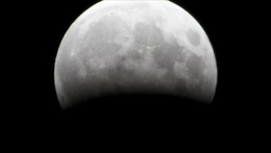 Fra 20:15 vil alle øjne være rettet mod månen! Du må ikke gå glip af denne begiv