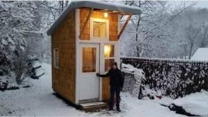 En tretten år gammel dreng byggede sit eget hus. Se hans håndbyggede projekt på