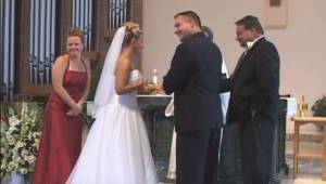 Hvordan kunne forloveren stjæle alles opmærksomhed på et bryllup? Se selv :)