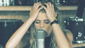 Da den unge hollandske kvinde lagde sin version af en Pink sang på Youtube, troe