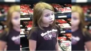 Den 8-årige blev optaget, mens hun sang i supermarkedet. Det skabte hurtigt sens