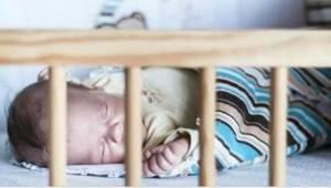 Disse forældre tilgiver aldrig sig selv, at de lagde børnene at sove i det samme