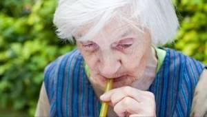 Lægerne advarer – hvis I drikker DETTE, har i 3 gange større risiko for demens!