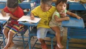 Drengen gik i skole sammen med sin yngste bror. Det, han fortalte lærerinden, få
