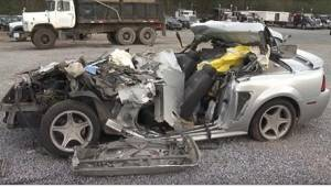 Den 17-årige døde i en tragisk ulykke. Da politiet gennemsøgte den ødelagte bil,