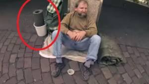 Han spurgte en hjemløs, om ham måtte låne noget fra ham. Det, som skete bagefter