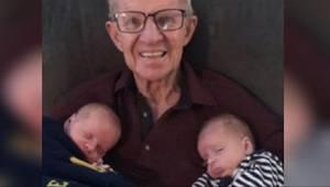 Hun offentliggjorde et billede, hvor bedstefar sidder med sine oldebørn. Der var