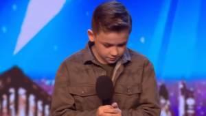 Den autistiske dreng henrykkede publikum med sin udførelse af en sang af Michael
