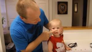 Har der sat sig en ært eller en lille perle fast i næsen på dit barn? Takket vær