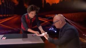 Tryllekunstneren bad dommeren om at vælge et tilfældigt kort; det han gjorde med