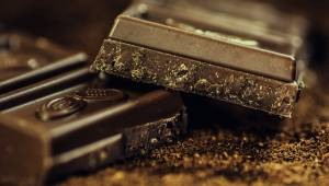 Forskere erklærer, at daglig indtagelse af chokolade stimulerer hjernen.