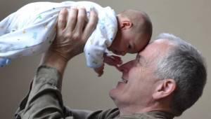 Undersøgelser bekræfter: Børn, som vokser op med deres bedsteforældre, er betyde