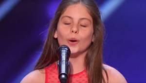 Det er svært at tro på, at en 10-årige pige kan frembringe SÅDAN nogle lyde! Sik