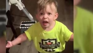 Moren glemte at give sin søn et farvelkys, da hun gik hjemmefra. Sønnens reaktio