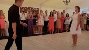 Se hvad dette nygifte par fra Polen foretager sig om blot et lille øjeblik! Du v